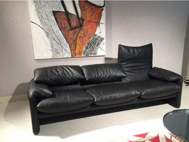 Ottimo affare, compra un divano usato a pochi euro, poi mentre era seduto sente strani rumori, quello che scopre è incredibile