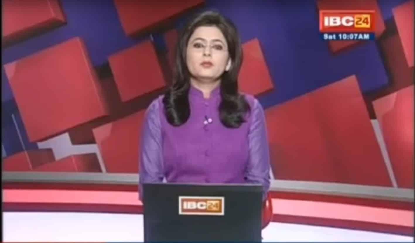 Giornalista sta leggendo in diretta una notizia di un incidente automobilistico, capisce che uno dei morti è il marito, cosa succede