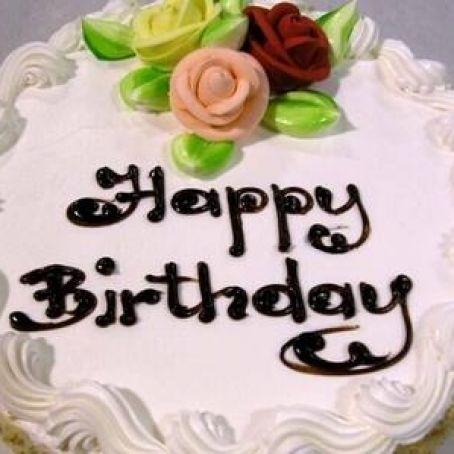 """Festeggia il compleanno al ristorante, porta la torta da casa e deve pagare in più per il """"taglio della torta"""""""