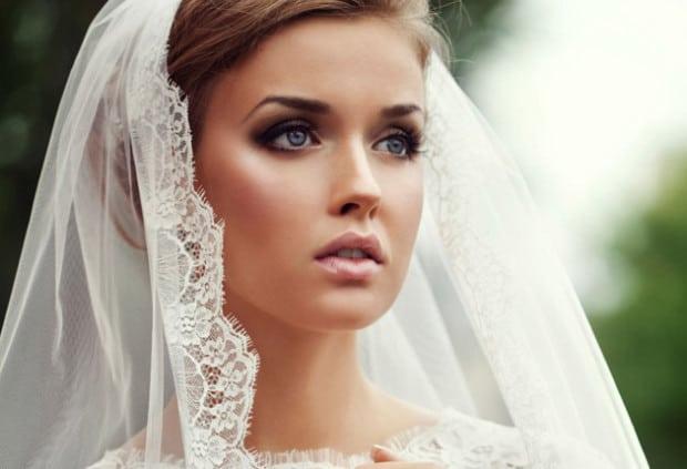 Decide di sposarsi e vuole esse a tutti i costi la più bella, cosa fa alle damigelle
