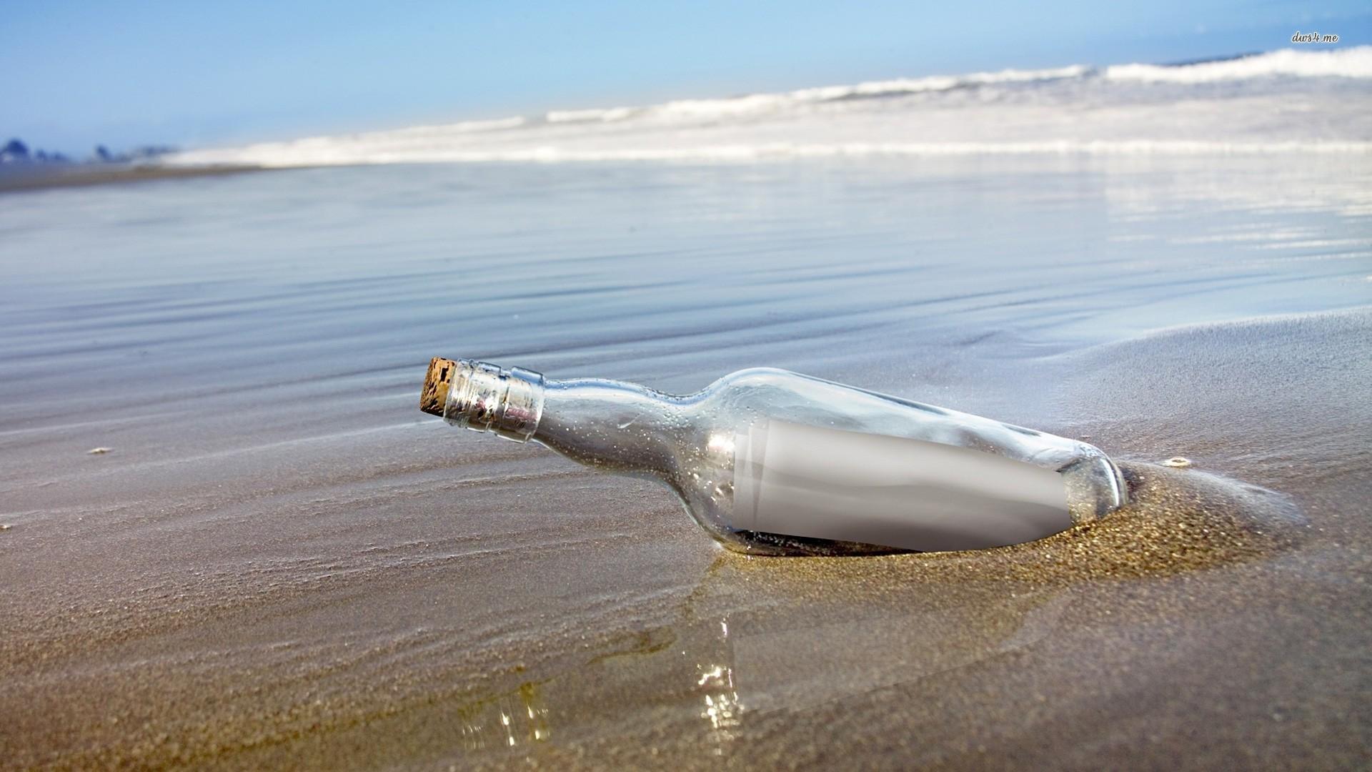 Ragazzo mette un messaggio in una bottiglia e dopo 33 anni accade l'impensabile