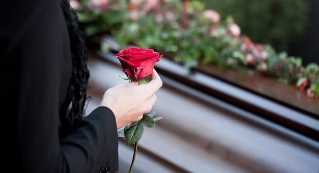 Puglia, focolaio dopo un funerale, contagiata tutta la famiglia del morto