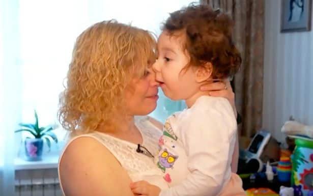 Fa l'inseminazione, nasce una bambina malata e in clinica le dicono, Abbandonala e rifai inseminazioni gratis