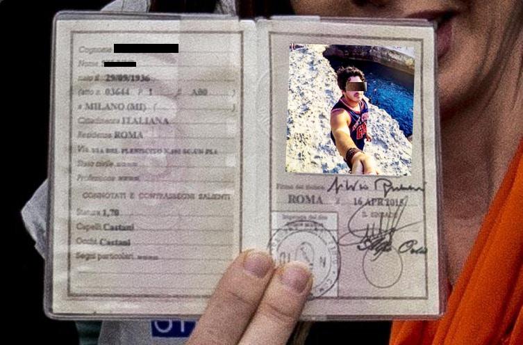 La foto sulla carta d'Identità non gli piace allora la sostituisce con un selfie, quello che gli succede dopo è impensabile