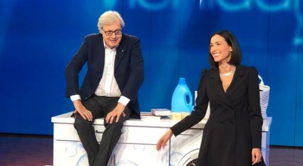 Caterina Balivo ospita Vittorio Sgarbi che dice, Le donne devono stare a casa e lei, sono d'accordo ma poi chiarisce sui social