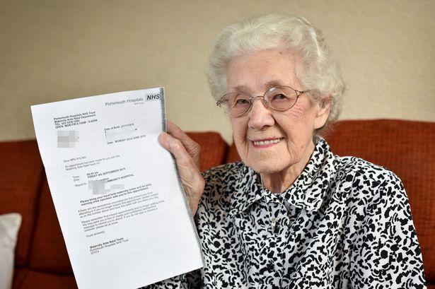 A cento anni incinta, arriva la lettera dall'ospedale per farle tanti auguri