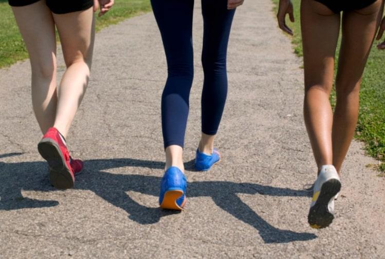 Camminare a passo svelto fa più effetto che andare in palestra