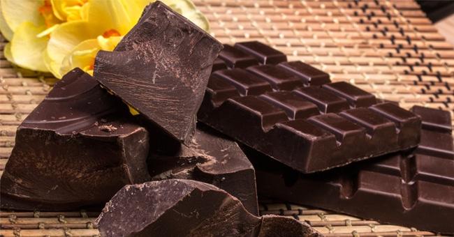 Per vivere a lungo bisogna mangiare 20 grammi di cioccolato ogni due giorni