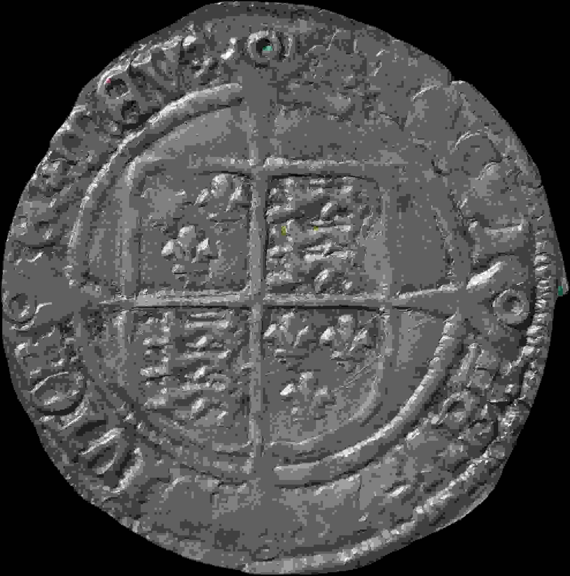 Sono alla ricerca delle fede con il metal detector e trovano un tesoro che vale 115.000,00 euro