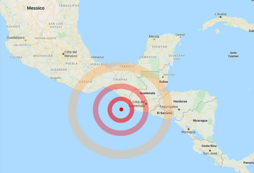 Terremoto in tempo reale fortissima scossa in Messico, panico tra la gente, paura per tsunami
