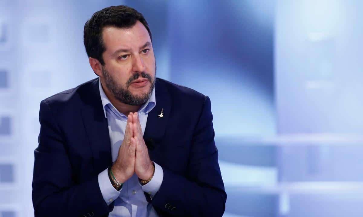 """Coronavirus, Matteo Salvini da Genova """"L'Italia è l'unico paese in Europa ad avere questi problemi, è evidente che qualcuno non ha capito o non ha voluto fare quello che si doveva"""""""