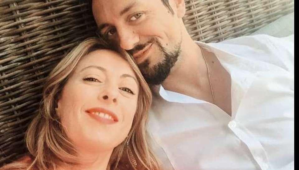 """Andrea Giambruno marito della Meloni precisa """" Giorgia è una leader ma a casa comando io!"""""""