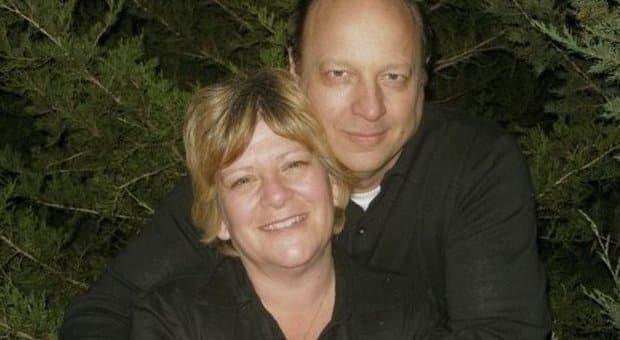 Papà di 4 figli muore intrappolato nell'auto in un deserto, prima di morire scrive una lettera struggente alla moglie