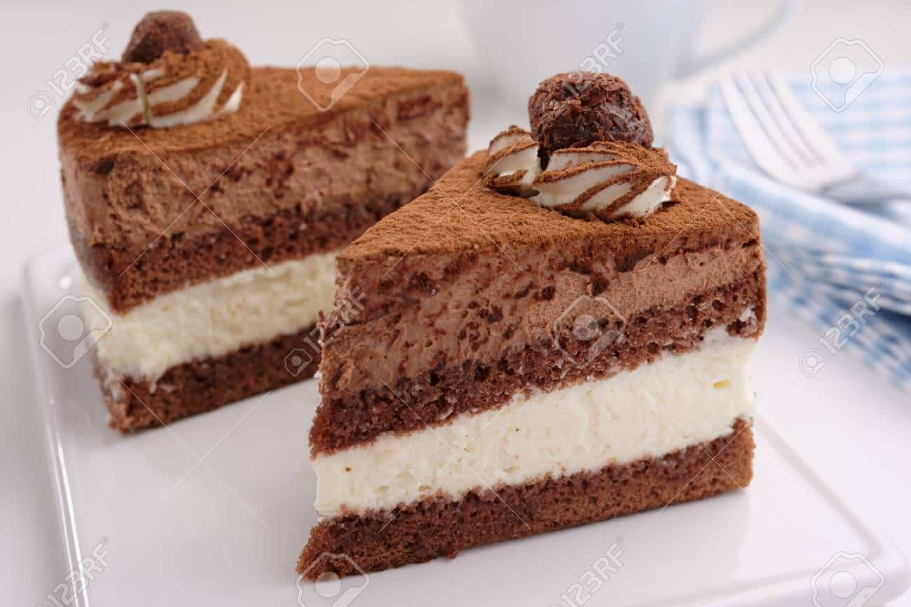 Va a mangiare una fetta di torta in un bar, sbaglia a digitare il pin e le vengono addebitati 6400 euro