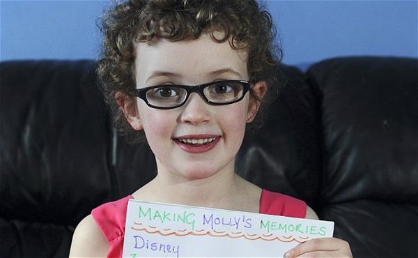 La piccola Molly di 8 anni prima di perdere la vista per sempre compila una lista di cosa che desidera vedere