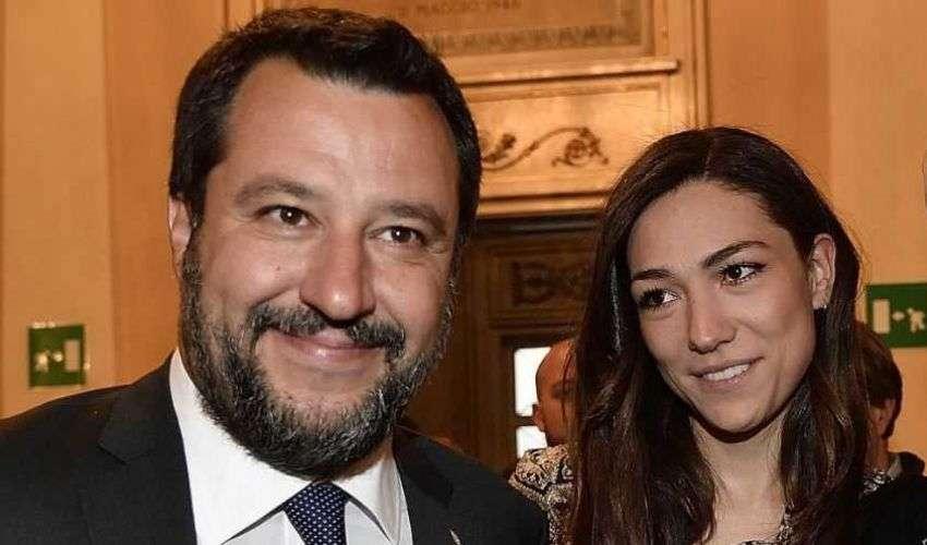 Furto a casa di Francesca Verdini compagna di Salvini, i ladri per sfregio anneriscono con un accendino foto del leader della Lega