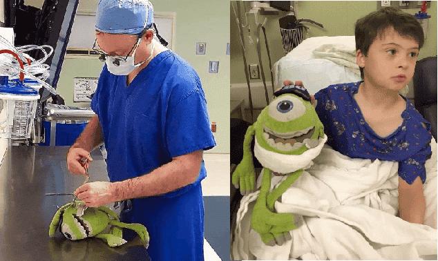 Bambino deve subire il suo ottavo intervento e allora il medico per tranquillizzarlo opera il suo pupazzo