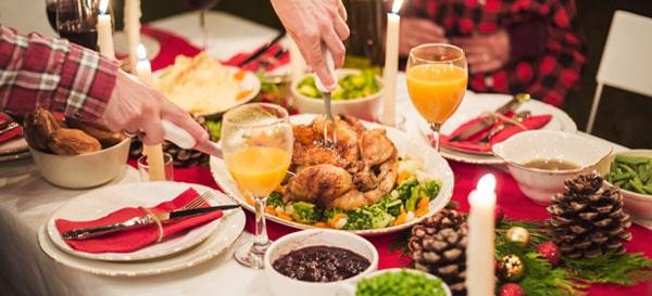 Attenzione alle grandi abbuffate, il cuore chiede massima cautela per le tavolate natalizie
