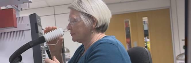 Donna con il suo olfatto sente il ParKinson prima che la malattia si manifesti