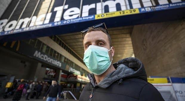 Panico sul treno Roma-Bari, barese di ritorno dalla Cina, fatto scendere a Foggia, aveva sintomi Coronavirus, poi controlli negativi