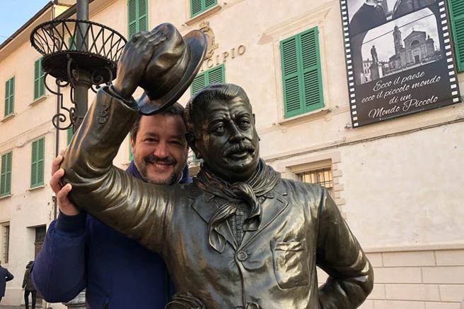 """Salvini in Emilia, """"Tanti vecchi comunisti pronti a votare Lega, il Pd preferisce i banchieri agli operai"""""""
