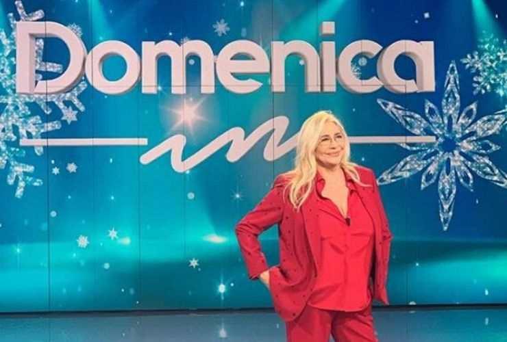 Sanremo 2020, annuncio in diretta di Amadeus, Mara Venier condurrà la serata finale del Festival