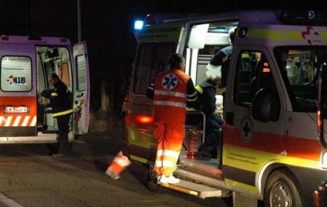 Tragedia assurda, 47enne pugliese cade in casa, viene soccorso, scivola nel bagno dell'ospedale e muore