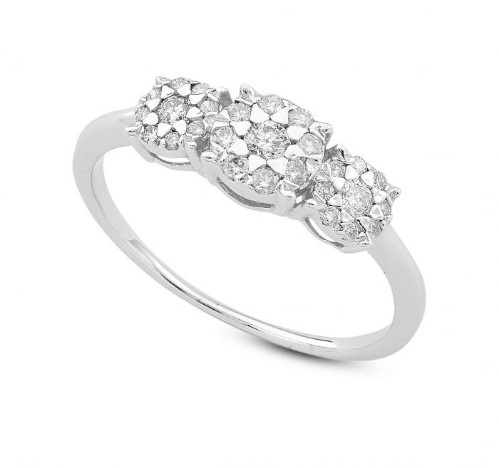 Un diamante per sempre. Compra un Trilogy dal valore di 12 mila euro ma lei lo lascia, lui decide di fare un gesto bellissimo