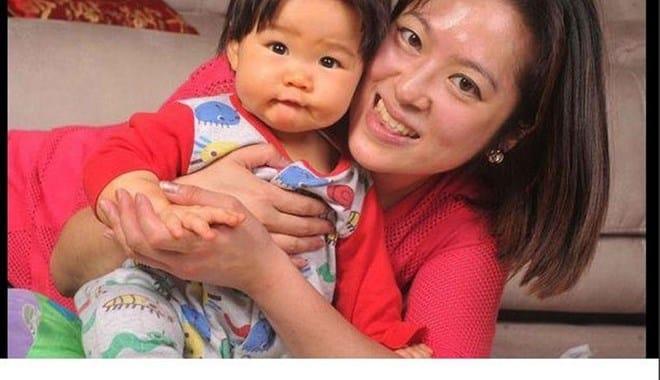 L'amore tra madre e figlio, malata di cuore in coma guarisce grazie al calore del suo bambino