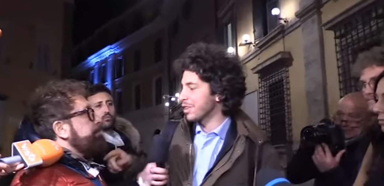 """Roma, alla fine dell'incontro di Santori con il Ministro Boccia, scatta la rissa tra le Sardine, """"Chi vi ha scelto a venire dal ministro? Io sono una sardina come voi, qual è il metodo?"""""""