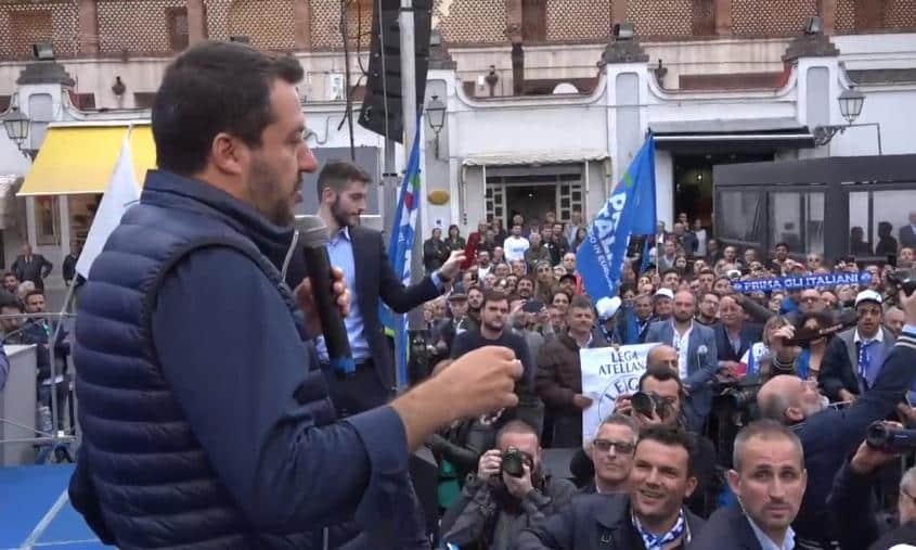 """Salvini a Napoli su un possibile Conte Ter """"Meglio Topolino, prima si va a votare meglio è"""""""