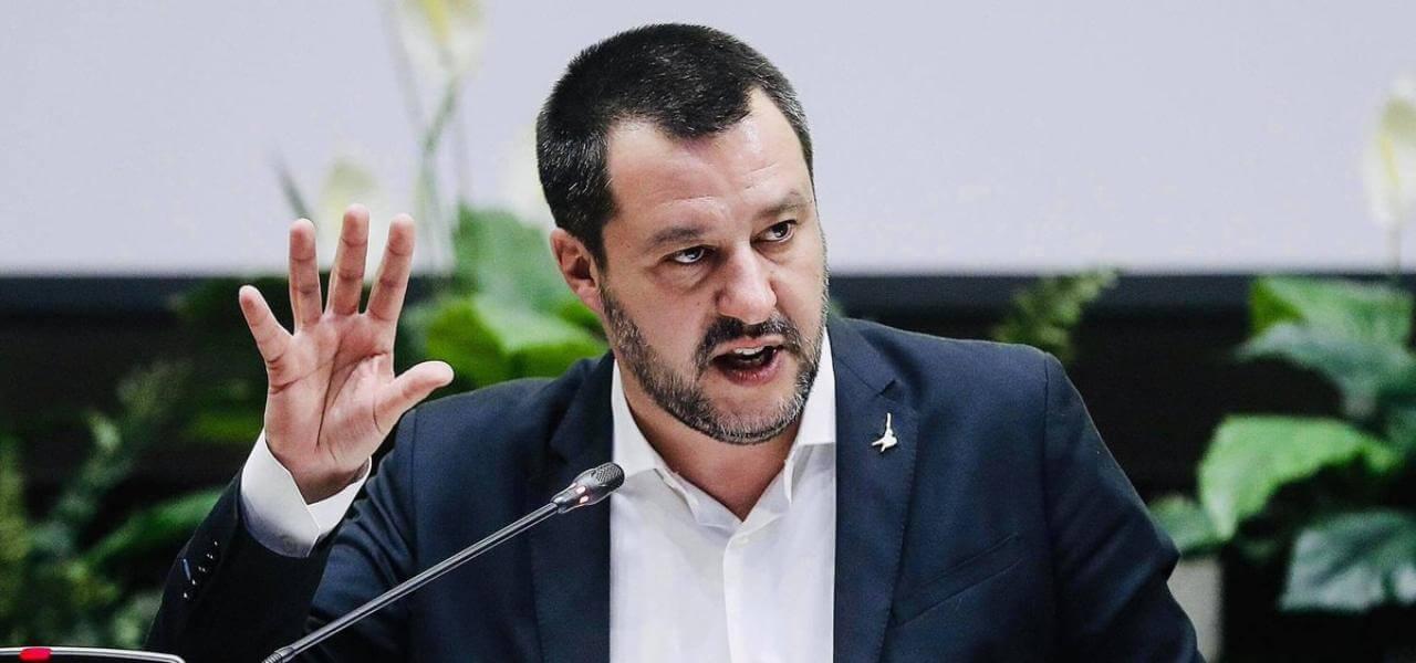 """Coronavirus, Salvini """"Qualcuno mi accusa di essere un untore. Si è aspettato il morto per intervenire, lo si poteva fare già dal 30 gennaio scorso"""""""