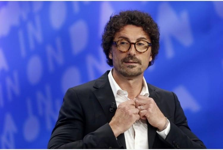 """Caso Gregoretti l'ex ministro Danilo Toninelli del M5S """"Salvini è tutto chiacchiere e felpe"""""""