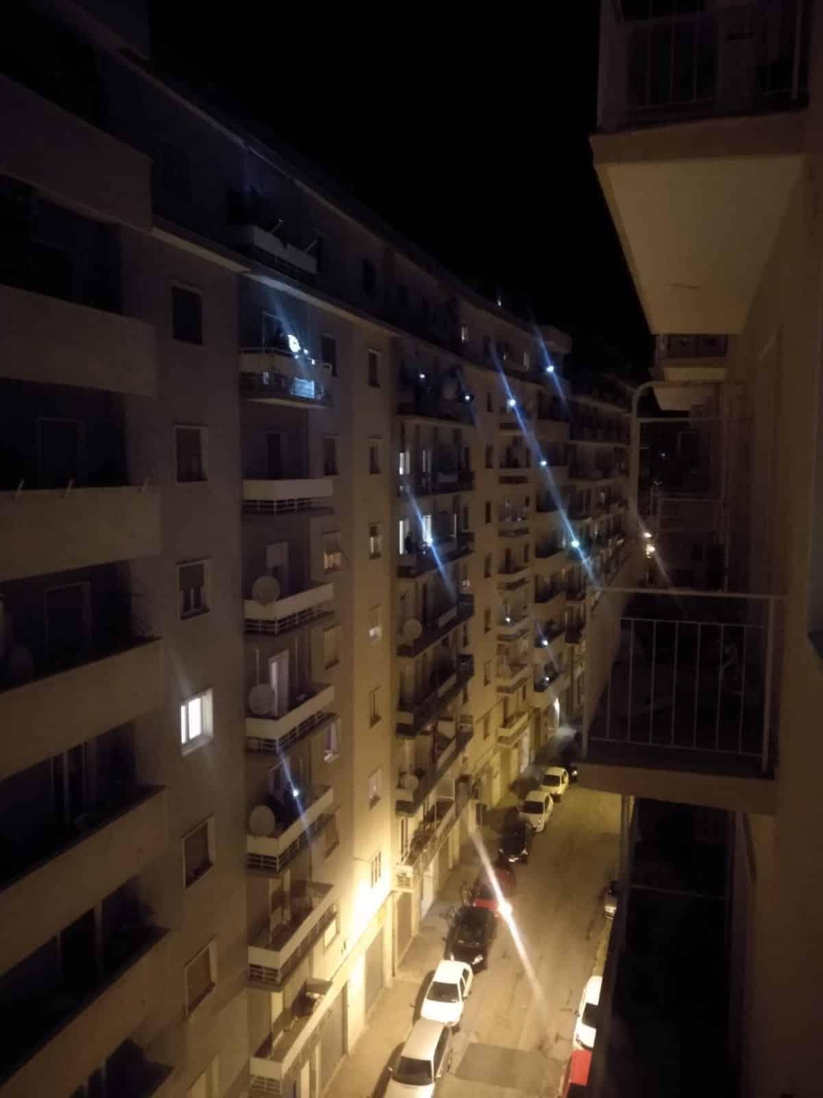 Emergenza Coronavirus, flash mob ore 21, a Bari si spengono le luci e ci sente più vicini e uniti
