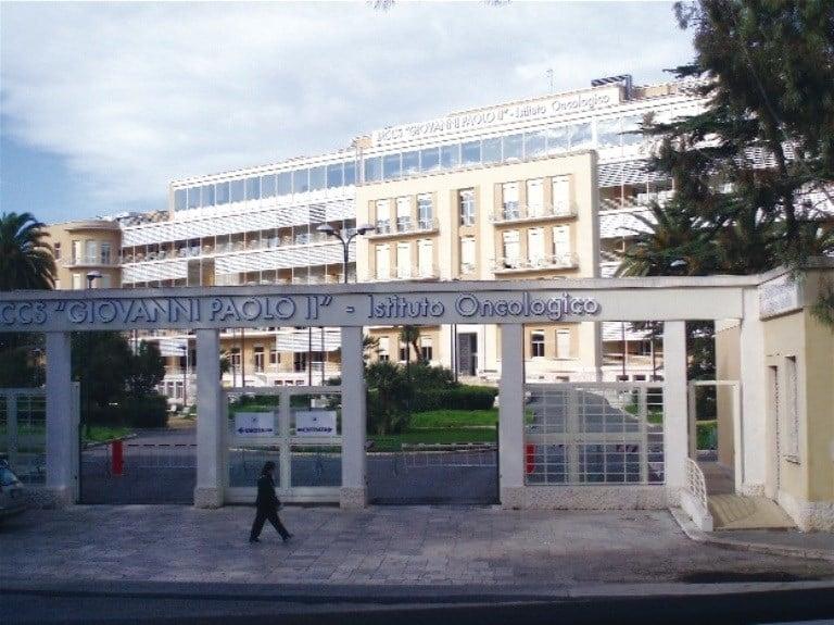 Coronavirus a Bari, medico dell'Oncologico Giovanni Paolo II positivo al Covid-19 chiuso il reparto
