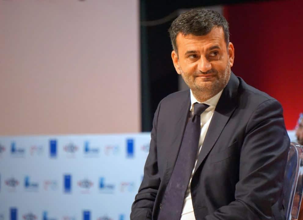 """Coronavirus a Bari, il sindaco Antonio Decaro """"Ognuno di noi deve sentirsi responsabile dei propri comportamenti individuali"""""""