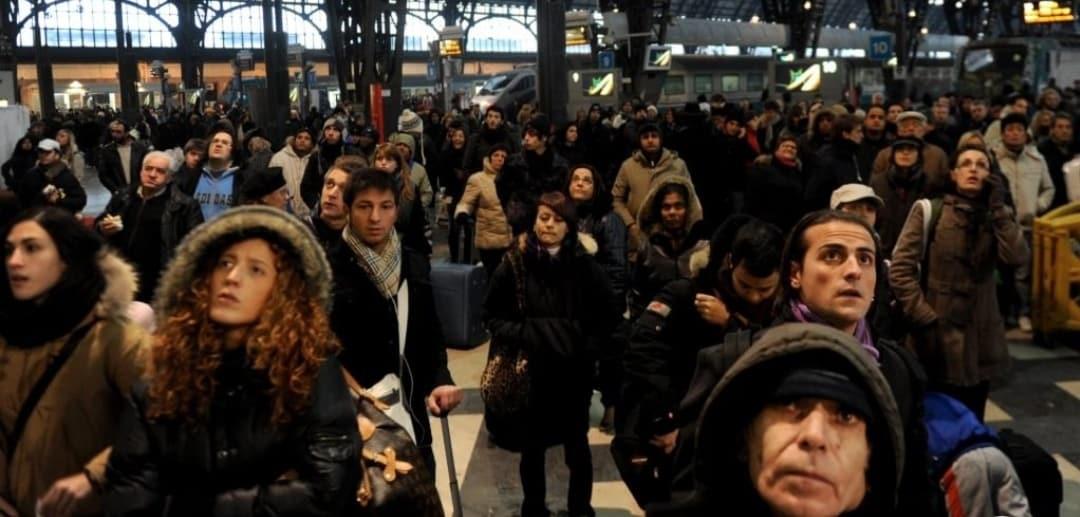 """Emergenza Coronavirus, Lega si schiera contro il Governo """"Siamo in un film horror, foto da ultimo treno Milano – Roma, i comportamenti incerti hanno l'effetto di renderci più vulnerabili al virus"""""""