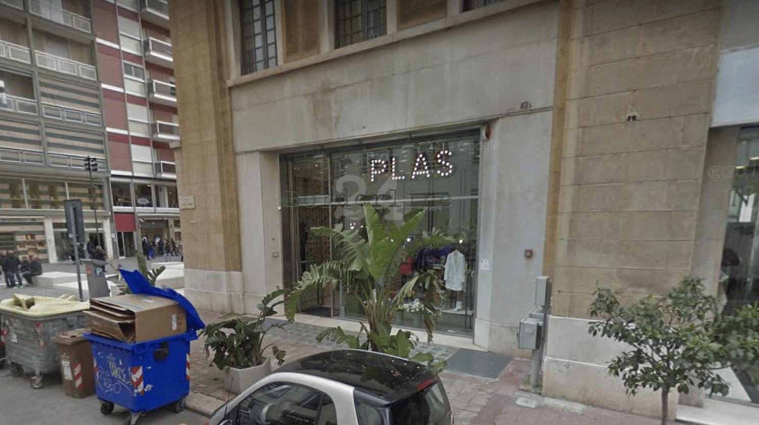"""Coronavirus a Bari, dipendente di """"Plas"""" positivo dopo un breve viaggio in Lombardia, l'azienda decide di chiudere tutte le cinque boutique in Puglia"""