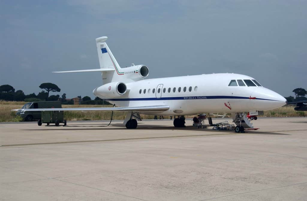 Bari, neonato in pericolo di vita, si mobilita l'Aeronautica per salvarlo, volo speciale per trasportarlo all'Ospedale Bambino Gesù di Roma