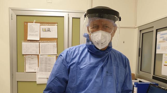 """Emergenza Coronavirus, medico dopo 9 anni di pensione torna in corsia """"Quando ho sentito la chiamata non ci ho pensato due volte"""""""