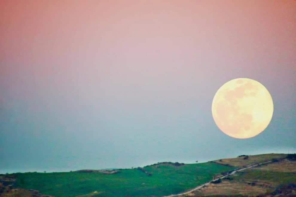 La superluna di oggi in Puglia la terza del 2020 ma la più spettacolare di tutte