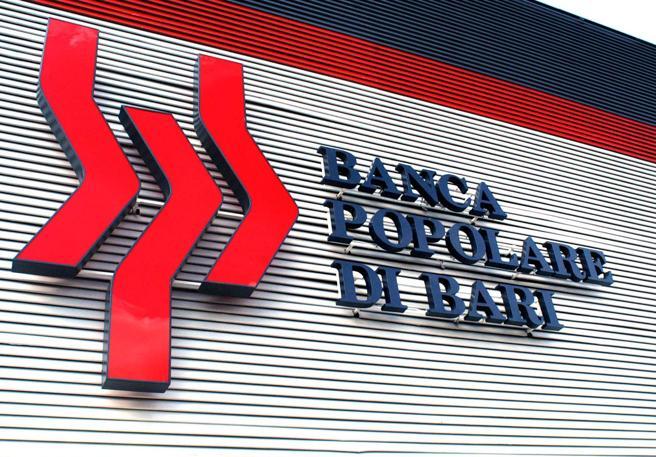 """Covid-19 decreto liquidità, rabbia e caos tra i clienti della Banca Popolare di Bari, chiedono il prestito garantito dallo stato di 25mila euro ma l'istituto risponde che """"non ha più soldi"""""""