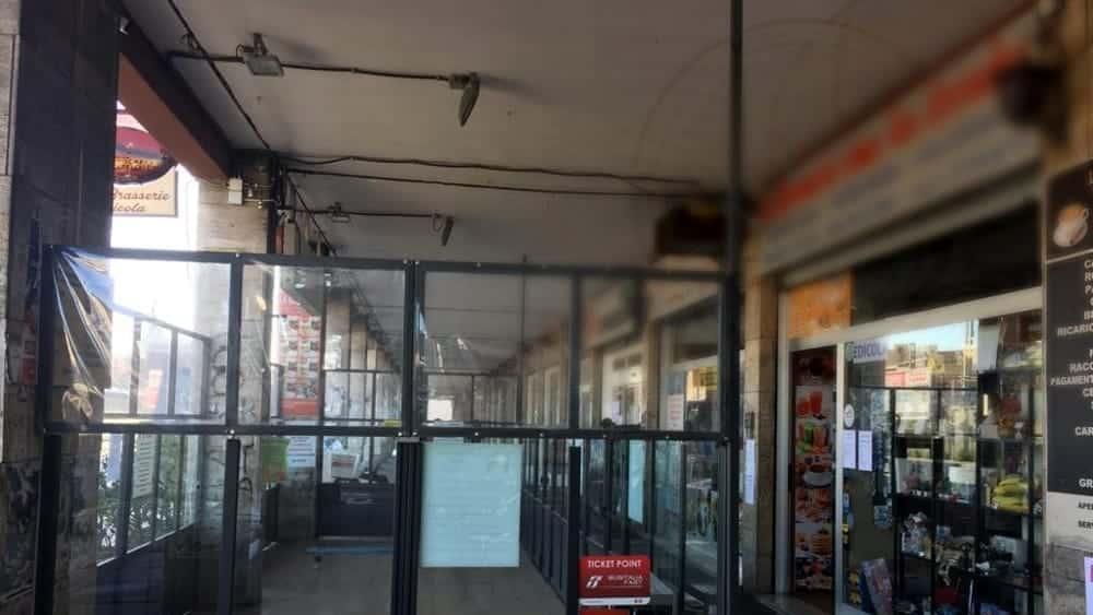 Emergenza covid-19 a Bari, scoperto bar in pieno centro che vendeva caffè e cornetti