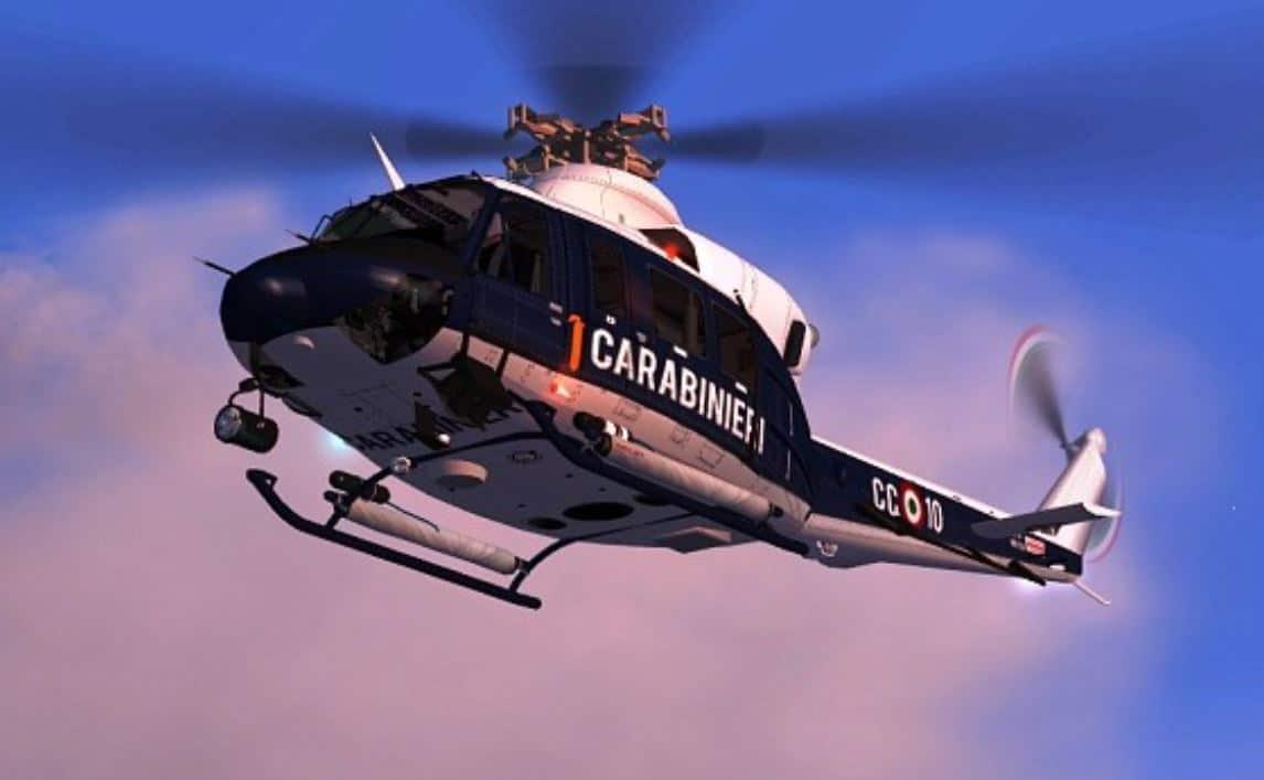 Coronavirus Puglia, pranzano sul terrazzo, l'elicottero dei carabinieri li sventa e loro se la danno a gambe