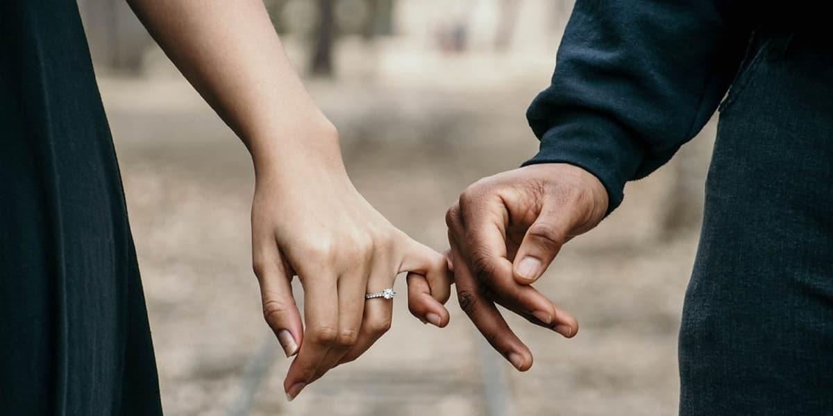 Emergenza covid-19, Fase 2 ok alle visite tra fidanzati e affetti stabili, divieto di raggiungere le seconde case