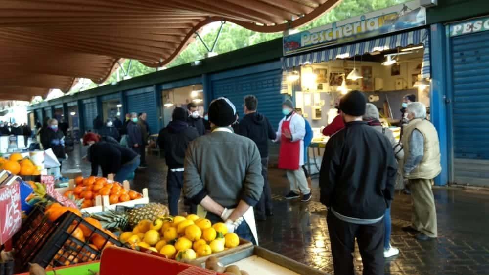 Coronavirus Bari, il mercato di Santa Scolastica sabato farà orario continuato per non creare assembramenti