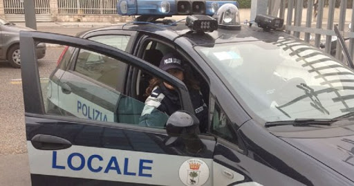 Coronavirus Puglia, fermati dai vigili mostrano lo scontrino della farmacia ma la data riportava marzo