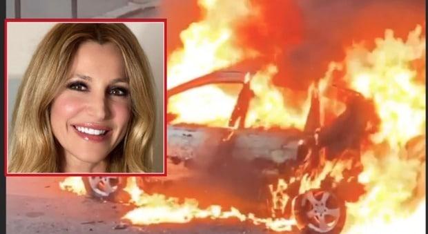 Attimi di panico per Adriana Volpe, auto esplode sotto casa sua