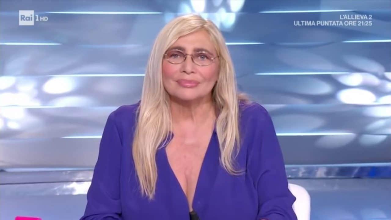 """Decaro da Mara Venier a Domenica In, """"A Bari ci sono in questo momento 56 contagiati, ci sono problemi con la Movida"""""""