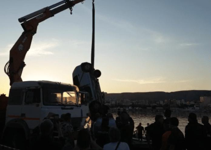 Puglia auto in mare, la donna morta annegata si chiamava Anna Pappalardo, aveva 51 anni, ancora misteriose le cause del tremendo incidente